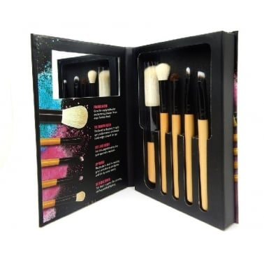 W7 Cosmetics Brush With Me - Set of 5 Make Up Brushes.
